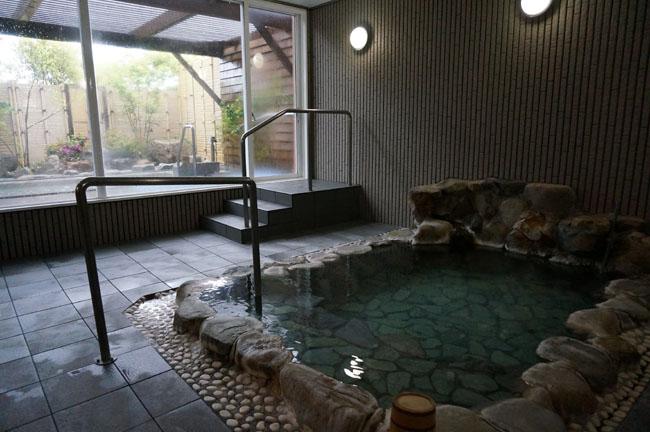 露天風呂は景色がひらけている ...